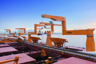 MPG cranes on world's largest transshipping facility