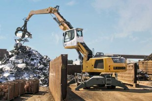 Liebherr industrial handler LH 40 M in scrap handling operation