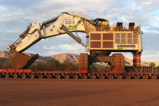 The completed R 996 B hydraulic mining excavator prepared for transport.