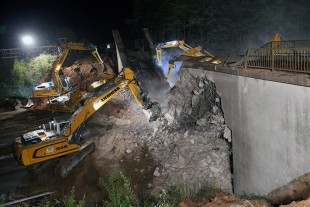 Up to 13 crawler excavators were in operation at once.