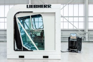 Cab solution of the new Liebherr simulator for construction machinery