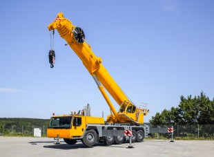 Liebherr presents the new mobile crane LTM 1160-5.2 on five-axle chassis at the 2015 Intermat in Paris, France.