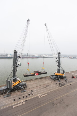 Two LHM 600 demonstrate their capabilities in Antwerp.