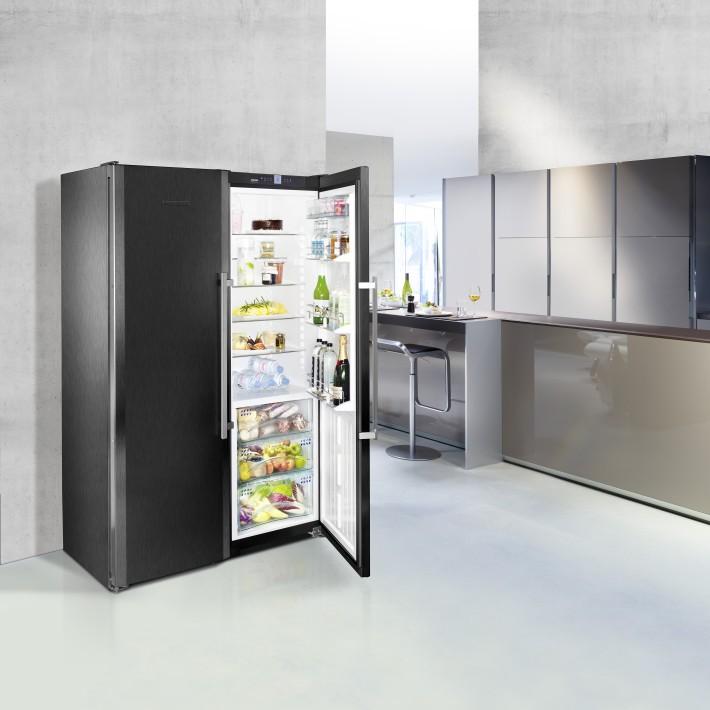 if design award f r blacksteel k hl und gefrierger t von liebherr liebherr. Black Bedroom Furniture Sets. Home Design Ideas
