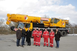 From left to right: Meik Fangmann (Fangmann Industrie GmbH Co. KG), Frank Fangmann (Fangmann Industrie GmbH Co. KG), Burkhard Bernd (Liebherr-Werk Ehingen GmbH), Peter Spurgat, Benjamin Reisener, Andre Herodes, Thomas Neumann, Nico Macht (all Fangmann Industrie GmbH Co. KG)