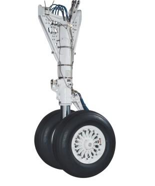 Embraer 170 main landing gear developed, produced and serviced by Liebherr-Aerospace