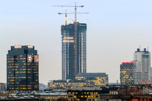 Two Liebherr 280 EC-H tower cranes for Poland's highest building