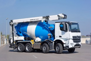 Liebherr truck mixer HTM 904 with conveyor belt