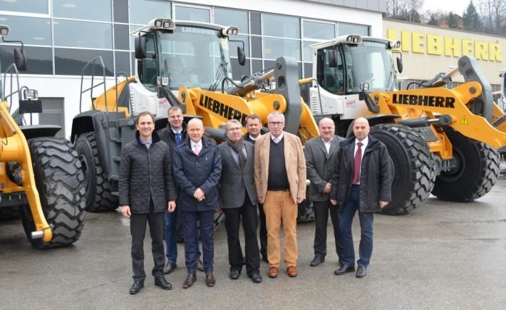 Bauunternehmen Ulm bauunternehmen wolff müller investiert in acht neue liebherr