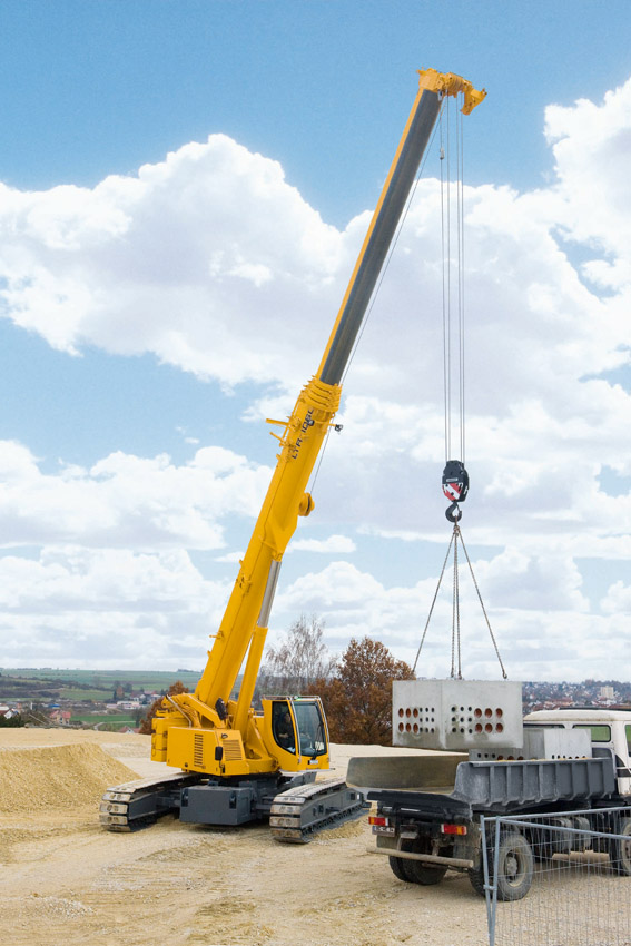 Telescopic Crane Training : Liebherr presents a cross section of its varied range