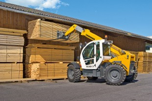 Liebherr TL 432-7 telescopic handler in operation at a sawmill