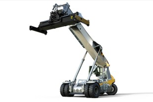 The first model out of the Liebherr Pulser reachstacker series: the LRS 545