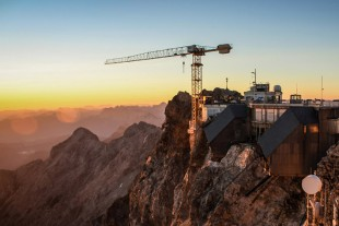 Liebherr 150 EC-B Flat-Top crane on the Zugspitze