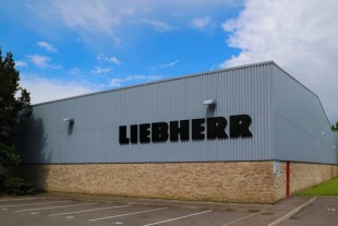 Service center of Liebherr-Transportation Systems at Gatwick (UK)