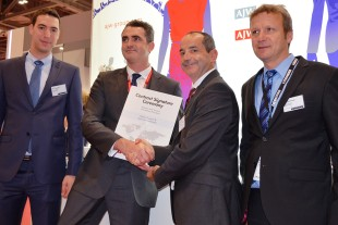 Boris Wolstenholme, CEO AJW Aviation (2nd from left) and Joël Cadaux, Director Business & Services from Customer Support, Liebherr-Aerospace & Transportation SAS (2nd from right), during the contract signature ceremony