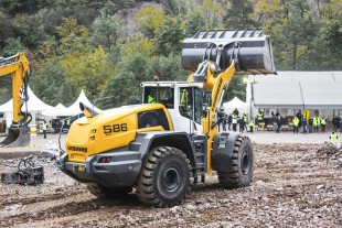 As a special event highlight, Liebherr presented the new generation of the large Liebherr wheel loaders: Liebherr-XPower® to the public for the first time.