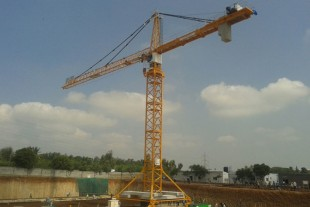 Three of the 550 EC-H 20 Litronic tower cranes at Sobha Dream Acres project are installed in rail going execution.