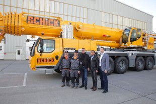 From left to right: Edgar Schlereth (Assistant Crane Driver, Schick), Oliver Schlereth (Crane Driver, Schick), Anton Schick (Owner and Managing Director, Schick), Ralf Kohlhepp (Technical Director Pre-Fabricated Concrete Components, Schick), Florian Maier (Liebherr-Werk Ehingen)