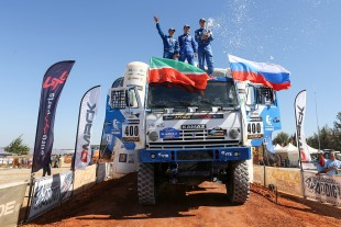 Rally Dakar: Kamaz truck in the sands of the Atacama Desert