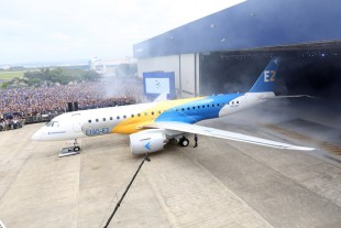 Roll-out ceremony of Embraer's E190-E2 at São José dos Campos (Brazil) – © Embraer
