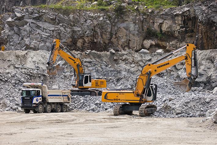 New Liebherr R 954 SME Hydraulic Excavators operating successfully