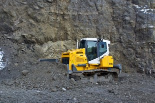 The design of the new Liebherr PR 716 crawler tractor offers outstanding visibility from all sides.