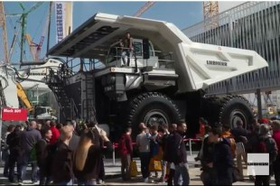 The Liebherr video magazine provides a daily account from ongoing exhibition events.