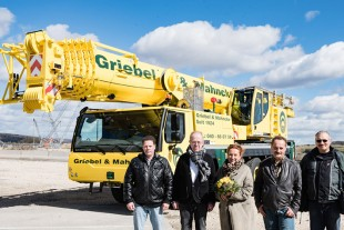 From left to right: Nils Dähn, Günther Mahncke, Uschi Mahncke-Oberauer, Peter Selonke, W. Schill (all from Griebel & Mahncke Schwertransporte GmbH & Co.KG).