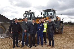 Handover of three new Liebherr L 566 XPower® wheel loaders to RBS Kiesgewinnung GmbH & Co. KG.