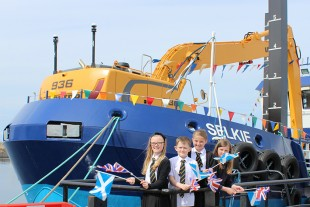 The Cluny Primary School group who suggested the name MV (Marine Vessel) Selkie.