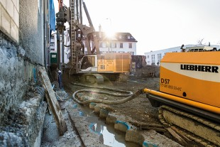 A perfect fit: Using the LRB 355 piling and drilling rig and the crawler concrete pump THS 80 D-K, Hilti & Jehle inserts more than 300 piles in St. Gallen