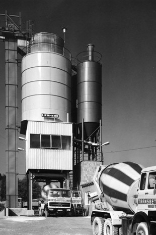 Liebherr truck mixers in the courtyard of the company Transbeton, early 1960s.