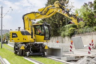The Liebherr A 922 Rail Litronic is the allrounder among the hydraulic excavators