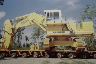 Joseph Mayer on the R 994 crawler excavator his team built in one week