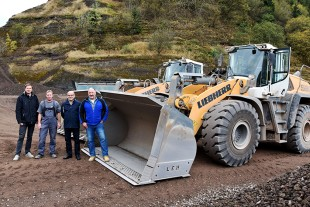 Handover of four XPower wheel loaders to the Stolz company