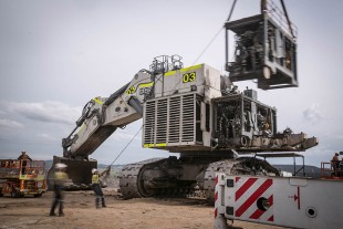 Work undertaken to repower Moolarben Coal's R 996 B mining excavator.