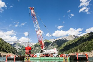 An HS 8130 HD in dredging application in the Swiss Alps.