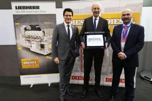 """Liebherr принимает награду """"Дизельный двигатель года 2017"""