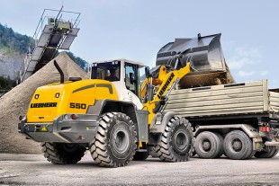 The Liebherr L 550 wheel loader consumes up to 25 percent less fuel compared with conventional wheel loaders under the same conditions.
