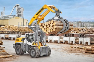 Based on its successful XPower® wheel loaders, Liebherr has developed the L 580 LogHandler XPower® specifically for the timber industry.