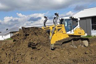 Liebherr crawler dozer PR 736 LGP – maximum performance and best fuel efficiency.