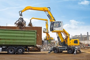 Compact and robust at once: the Liebherr material handler LH 24 M Litronic.