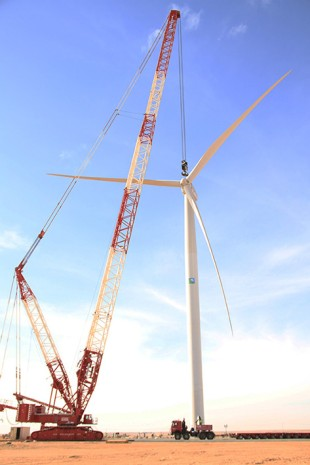 GHHL directs the first wind turbine in Saudi Arabia using the Liebherr LR 1750 crawler crane