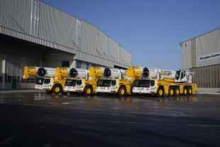 Four new Liebherr LTM 1250-5.1 mobile cranes for Locar.