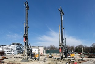 Liebherr drilling rigs type LB 28-320 and LB 36-410 carrying out foundation work
