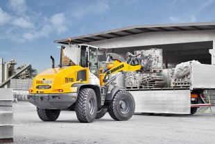 The L 518 Stereoloader® is a new model in Liebherr's range of wheel loaders. Thanks to its robust design, it can take on demanding industrial applications.