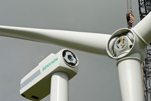 New generation of blade bearings in the 3.4M 140 EBC wind turbine by Senvion.
