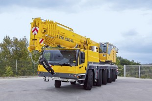 Because of its compact dimensions, the LTM 1130-5.1 can manoeuvre on confined building sites.