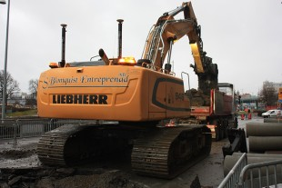 The Liebherr R 946 crawler excavator at the Swedish company Stefan Blomquist Entreprenad AB is mainly deployed for earthmoving work in urban areas.