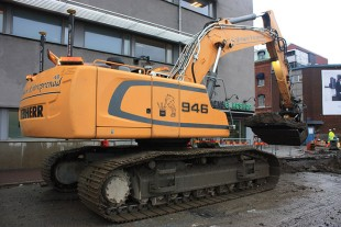 The Liebherr R 946 crawler excavator was chosen based on the power of its hydraulics and its flexible and fluid movements.